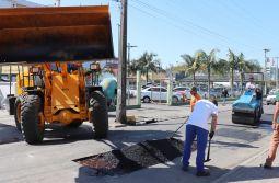Centro e bairros têm trabalho forte na recuperação de vias