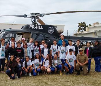 Helicóptero pousou na Nova Divineia