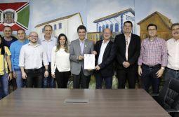 Governo do Município realiza assinatura de convênio com o Criciúma Esporte Clube