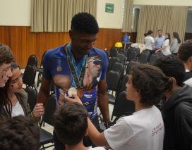 Bairro da Juventude recebe ex-atleta olímpico André Domingos