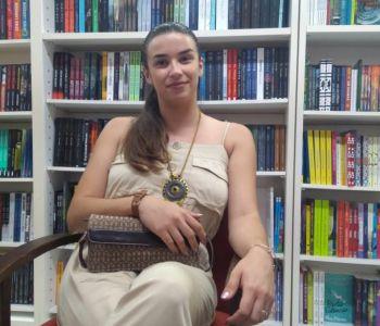 Escritora araranguaense lança primeiro romance