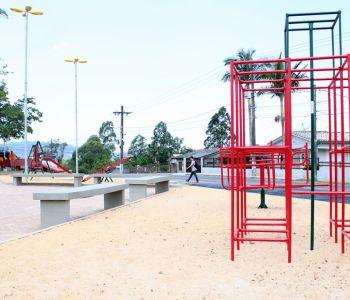 Governo de Criciúma entrega revitalização de praça e inaugura pavimentação asfáltica de ruas do bairro São Marcos