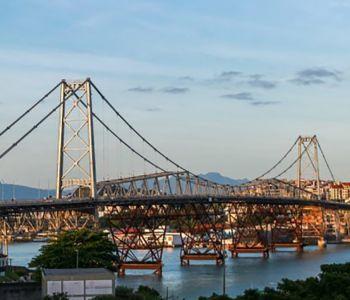 Ponte Hercílio Luz será liberada para tráfego de veículos oficiais e do transporte coletivo municipal
