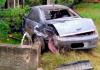 Turvo: Muro de residência é destruído por carro