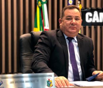Jair Anastácio aprova moção de repúdio à Celesc