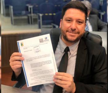 Vereador Samuel Nunes aprova proposta relacionada aos direitos das pessoas com câncer