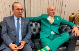 Jorginho Mello anuncia Luciano Hang ao Senado
