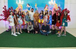 Debutantes 2019 se despedem da infância em encontro no Espaço Allegra