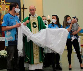 Vestido de Nossa Senhora Mãe dos Homens é abençoado no Santuário