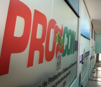 PROCON de Araranguá alerta os consumidores sobre cobrança indevida de seguros