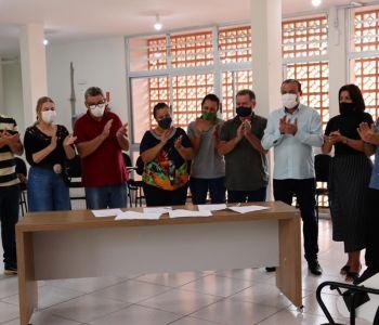 Prefeito assina contrato que amplia o número de vagas públicas na creche Paraíso das Crianças em Forquilhinha